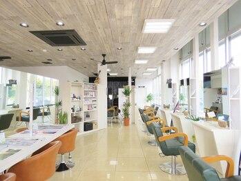 ヘアアートパーリオ 飾磨店(hair art PALIO)の写真/キッズスペース有!居心地の良さを重視した温かな空間。親子で通いたいサロンはPALIOに決まり♪