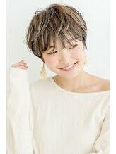 ムルチュラ(muruchura)ベージュカラーの小顔ショート2 田原佐知子