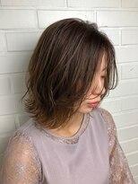 ヘア プロデュース キュオン(hair produce CUEON.)beige × 切りっぱなしボブ