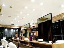 アース 東神奈川店(HAIR & MAKE EARTH)の雰囲気(平日と土曜は夜19時まで受付しています。【EARTH東神奈川店】)
