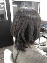 ヴィオレッタ ヘアアンドスペース(VIOLETTA hair&space)ミディアム×ナチュラルハイライト×ひし形