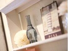 スーベニール(souvenir)の雰囲気(棚に並ぶ小物も女子心をくすぐります♪)