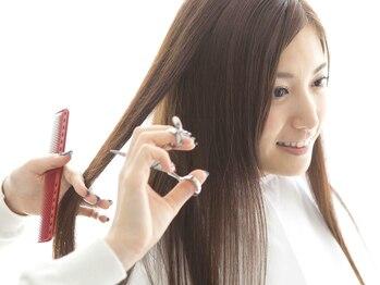 リッツ(RITZ)の写真/【髪に優しい施術☆】広がりを抑え、毛先までしっとりまとまる◎柔らかなナチュラルストレートヘアを実現◇