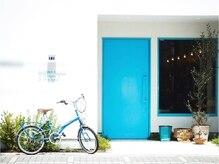 アトリエコパン(atelier copan)の雰囲気(可愛い青い扉が特徴のサロン)