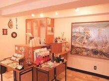 アートアンドヘアーデザイン ダイアリー(Art Hair design Diary)の雰囲気(店内に本物の油絵を飾ってます。様々な美をお楽しみください。)