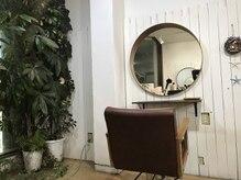 ヘアルーム エポカ(hairroom epoca)の雰囲気(緑溢れる癒しの空間)