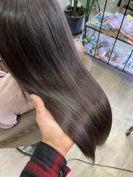 ヘアサロン アリス(hair salon Alice)の写真/【JR吹田徒歩3分/3席】『サイエンスアクア取扱店』気になるダメージを補修◎艶と潤い溢れる、憧れの美髪へ!