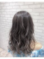 ヘアメイク シュシュ(Hair make chou chou)ミディアムレイヤー×ハイライトカラー【chou-chou 北林夏実】