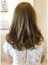 アトリエ ヘア クローゼット(atelier Hair Closet)ヌード系マットベージュ