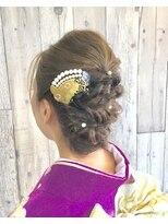 ヘアースペース ムーン(Hair Space MOON)雰囲気に合わせた、大人っぽいヘアーセットと着物の着付けです