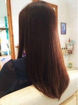 ヘアスタジオ モアナ(HAIR STUDIO MOANA)の写真/色を楽しみながら、グレイをぼかし、馴染ませる!ナチュラルな仕上がりで顔色も明るく!もちろん色持ちも◎