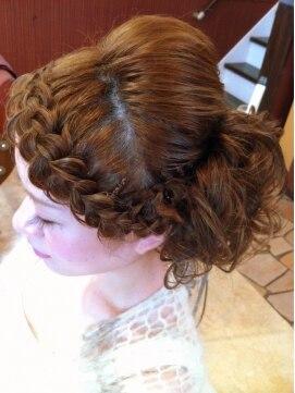 子供 前髪 編み込み