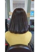 ヘアサロンアンドリラクゼーション マハナ(Hair salon&Relaxation mahana)ミディアムボブで女性らしさアップ♪くすみカラーで透明感も!