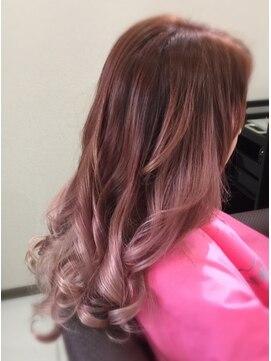 髪こうぼう 春色ピンクベージュ系グラデーションカラー