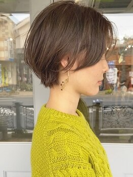 ヘアーワークスヴィクサス 諫早店(HAIR WORKS VIXUS)の写真/[VIXUS]のショートはシルエットとバランスにこだわりあり*ラインやくびれで女性らしさを引き出します。