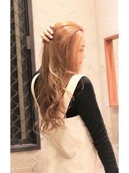 エムズヘアー(M's HAIR)の写真/季節に合わせたダメージレスカラーで大人女性に大人気!髪を優しく守りながらキレイな髪色に仕上げます♪