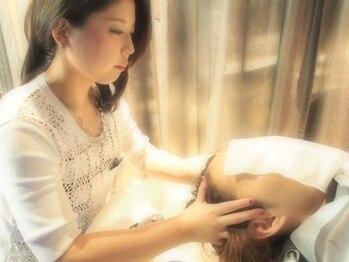 """フィールエー 南原町店(feel.a)の写真/【南原町/キッズスペース有】日本女性の為に開発された最高級ケア""""Aujuaヘッドスパ""""で気軽に頭皮ケアを♪"""