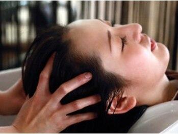 プリーム ヘアー(Pleame hair)の写真/【前髪カット+スパ20分+シャンプーブロー¥3300】元エステティシャンが施す上質なヘッドスパで癒しの時間