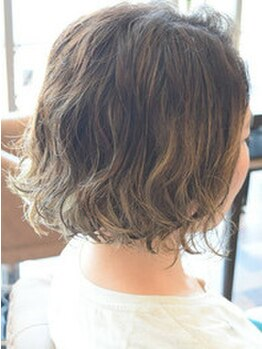 エミューヘアー デザイン ゆいの杜店(emu hair design)の写真/【カット+Tr¥5160~】計算されたカット技術で忙しい朝をサポート!簡単スタイリングで時短◎[emuゆいの杜]