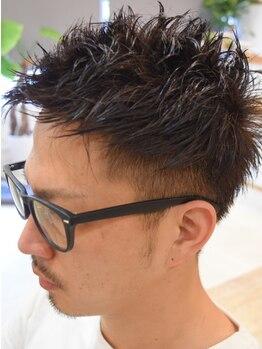 グリード(Greed)の写真/クセ毛や多毛でもカットの技術があれば、毛束感・動き・シルエットがキマります。それも数分で簡単に。
