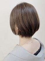 キアラ(Kchiara)脱白髪染めハイライト×ショートボブ【Kchiaraヒガシタダシ】