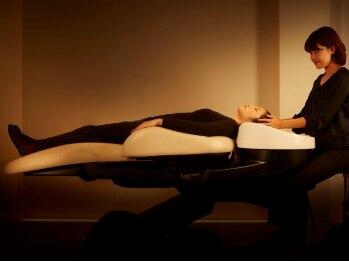 ルーブル(Louvre)の写真/個室で提供する極上のリラックスタイム☆絶妙な力加減で頭皮を揉みほぐし、リンパ流しでデトックス効果も!