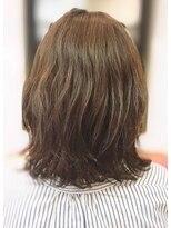 ミーノ(mieno)くせ毛を生かしたボブ