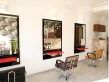 ヘアースタジオ アンプ(hair studio Amp)の雰囲気(席の間隔もゆったりのプライベートサロンです)