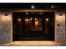 クロエ 三軒茶屋(Cloe)の雰囲気(アンティーク調の店内は昼と夜で違う雰囲気を演出する空間も◎ )