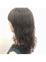 ヘアーアンドメイク ヒューラ 立川店(HAIR&MAKE hurra)セミロングパーマスタイル