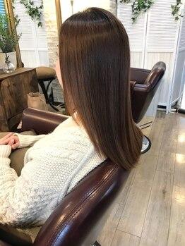 フレア(FLHAIR)の写真/毛髪・薬剤知識が豊富な美髪のプロフェッショナル。髪の最善を見極めて極上の仕上がりへ導きます。