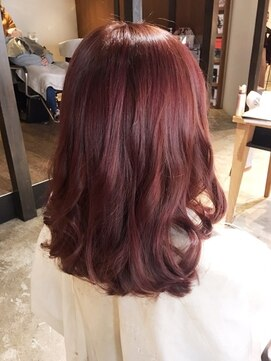人気を集めるピンクの髪色10選・染め方の種類5つ