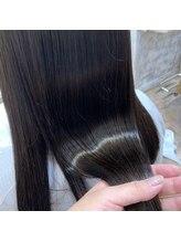 すきばさみを使用しない『髪質改善カット』でツヤのある髪に!