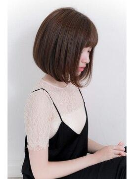 【年齢別】丸顔に似合うおすすめのショート|黒髪/パーマ/前髪