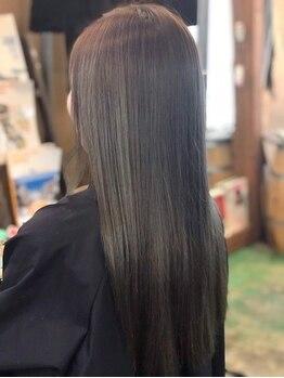 ジース(JY'S)の写真/くせ毛でお悩みの方必見◎厳選した髪に優しい薬剤を使用しているから、ブリーチした髪でもさらツヤ美髪に♪