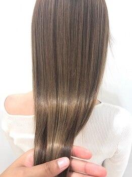 ビューティトリートメントサロン コンフォルタ(Beauty treatment salon ComfortA)の写真/【六本木交差点から徒歩3分】繰り返しのカラーや年齢によるダメージが気になる方も艶サラな髪に導きます♪