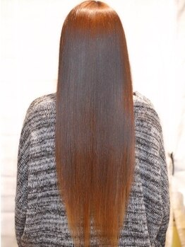 ヘアメイク スカイスパ(Skyspa)の写真/《生きたケラチン使用!!リケラ縮毛矯正》髪の骨格からデザインし、ワンランク上の質感とツヤを与えます。
