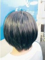 フェリーク ヘアサロン(Feerique hair salon)グレイッシュブルーのツーブロックショートボブ