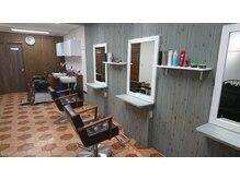 フレークヘアーデザイン(FLAKE Hair Design)の雰囲気(広くはないですが居心地いい空間です。)