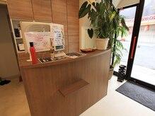 ソワール美容室 柿生店の雰囲気(【受付スペース】)