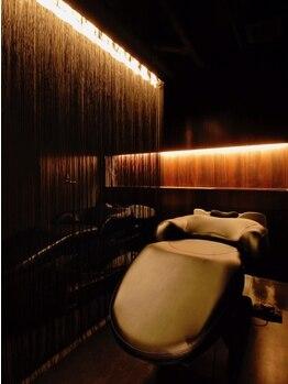 ナチュラス 池袋メトロポリタン口店(NATURACE)の写真/完全個室の空間で、こだわりのSPAエステを。YUME(フルフラットベッド)導入でリラックス。腰・首も快適に☆