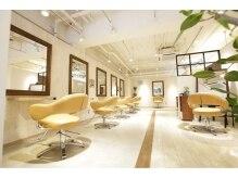 シエル(hair terrace Ciel)の雰囲気(白を基調としたあったかい空間。癒されて頂ければ♪)
