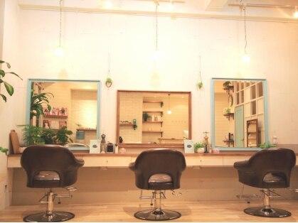 エノワ ヘアラウンジ 浦和駅西口本店(enowa HAIR LOUNGE)の写真
