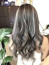 ヘアー ドレッシング ラビス(Hair Dressing Lovis)ロイヤルミルクティアッシュ