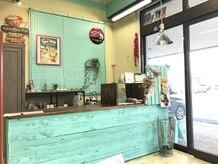 ちろるの雰囲気(ミントグリーンを基調とした店内でお客様をお出迎え致します☆)