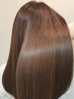 アフティ(afumty)の写真/サラサラ軽いのにまとまる艶髪、やわらかいのにうねりが整った芯から強い髪◎潤いを補修して艶髪に―♪