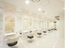 アッシュ 志木南口店(Ash)の雰囲気(白を基調とした清潔感ある空間です。)