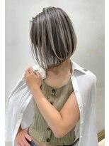 トルネード(TORNADO)外国人風ショート ハイライトバレイヤージュ白髪ぼかし t621