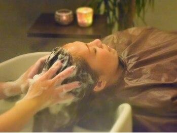 トライブ クリエートサロン(TRIBE create salon by SERVE)の写真/大人気の炭酸スパで身も心も髪もリフレッシュ♪【新規☆カット+炭酸ヘッドスパ(20分)¥4860】