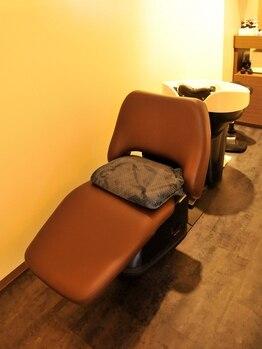 ラヴィアン(La vien)の写真/当店自慢の極上ヘッドスパでリラックスしながら、頭皮を内側から綺麗に♪カラーやトリートメントの持ちも◎